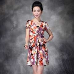 Europe summer | upscale ice silk painting digital printing | V-neck waist type version | Brand dress Q12236