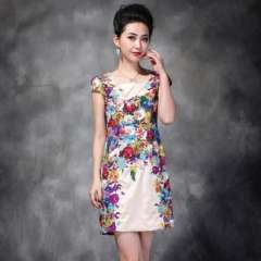Selling thousands of | high-end European and American women's summer | Heavy peony flower embroidery | Slim short-sleeved dress 1118