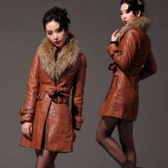 Free to join | Hot explosion models genuine winter new detachable raccoon fur collar | Female long section of the leather jacket 6070