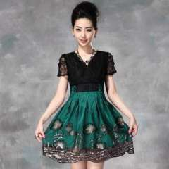 Summer 2013 European and American women's new heavy sequin embroidery stitching lace dress from Lotus leaf (Q13161)