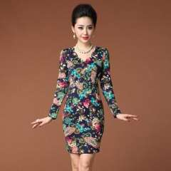 2013 European and American women's new winter complex Guluomabu digital printing V-neck repair waist dress Q13240