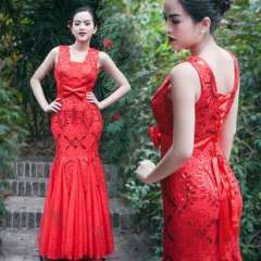 Vintage Chinese embroidered lace fan bride wedding toast red dress fishtail dress skirt long section