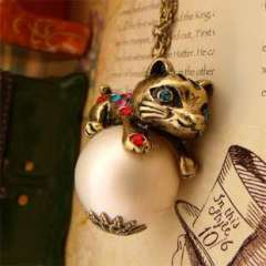 2798 Korean version | Long section | elegant cute cat diamond pearl | necklace sweater chain | New Year gift | Female
