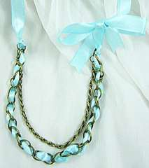 Garde sky-blue ribbon metal necklace
