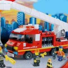 NO.M38-B0221 Plastic Building Blocks Fire Aerial Ladder Truck Educational Funny Toy for Children