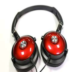 Portable Cool Headphone with Microphone. Red and Black Earphone