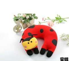 Cold particle three-dimensional animal shaped U-shaped pillow | bee