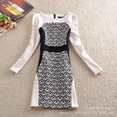 Hitz retro print dress in black and white patterned stitching Korean temperament was thin long-sleeved dress big yards wholesale