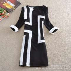 2013 new European style skirt was thin temperament Hepburn black and white contrast color stitching Slim package hip dress big y