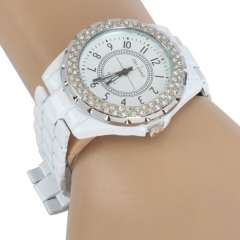 XJ Luxury Casual Crystal Alloy Round Dial Watches Women\ Lady Quartz Wrist Watch White Color in stock
