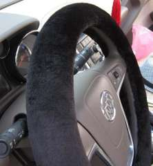 High-quality short plush car steering wheel cover | lined apron | autumn and winter car grips - Black