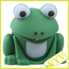 Frog keychain with light