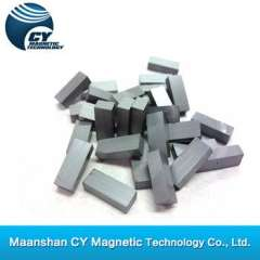 ferrite block magnet (magnetized through thickness)