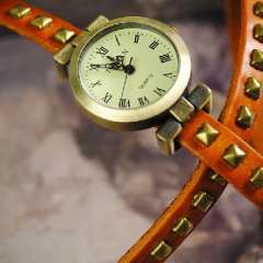 Retro pyramid rivets side dish | Ms. belt watch strap | winding Watches