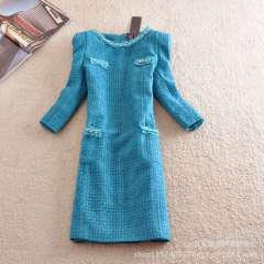 The new autumn and winter 2013 fashion European and American temperament round neck beaded sleeve dress Slim was thin woolen kil