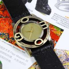 Retro new leather watch | neutral big numbers | Korean men and women really belt quartz watches | Black
