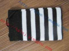 Classic black and white striped knit monolayer cell phone pocket | personality stripe pattern jacquard digital products protective sleeve | custom knitting advertising phone package | Advertising MP3
