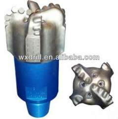 PDC drill bit for oil and gas field