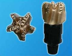 High quality 5 7\8' IADC M242 PDC bit with three blades for water well drilling