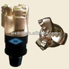 Matrix body PDC bit for well drilling