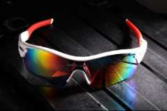 Cycling glasses | Polarized lenses | Mountain bike cycling glasses | Interchangeable lenses | White and Red