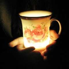 A cup romantic fascinated by the colorful light-emitting bone china cups | Rose