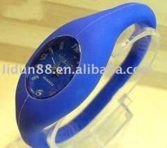 2012 fashion new style silicone sports watch