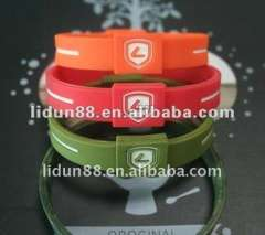 2012 hottest ion sport charming silicone bracelet