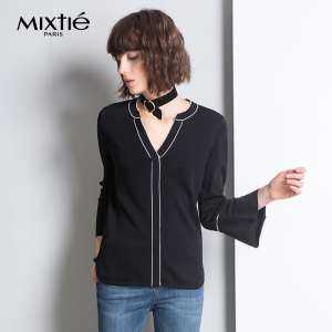 Mixtie / beautiful twentieth 2017 autumn new hit color piping V-neck hood cuff knit shirt blouse