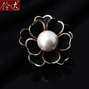 Lingda jewelry Europe and the United States retro Korean fashion black camellia love imitation pearl brooch corsage pin