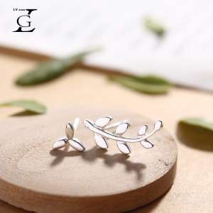 Green Small Fresh Asymmetric Leaves S925 Tremella Nail Female Temperament Day Korean Personality Wild Student Ear Earrings